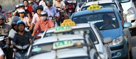 """Chia taxi theo vùng: Không khéo thành """"ngăn sông cấm chợ""""!"""