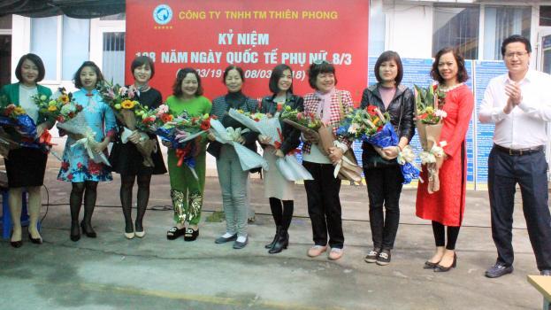 Công đoàn Taxi Thành Công tổ chức lễ kỷ niệm 108 năm ngày Quốc tế Phụ nữ (8/31910 – 8/3/2018)