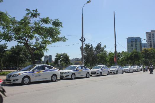 Kinh nghiệm đi taxi du lịch quanh Hà Nội