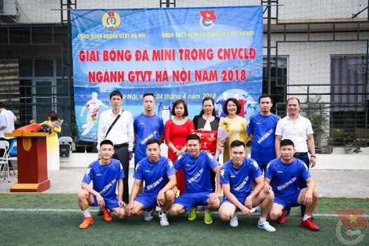 Taxi Thành Công dành chiến thắng trận Khai mạc Giải bóng đá Mini trong CNVCLĐ năm 2018